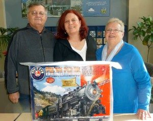 Susan Pincus in turn donated the train set back to Bob, paying it forward for yet another later prize for a good cause